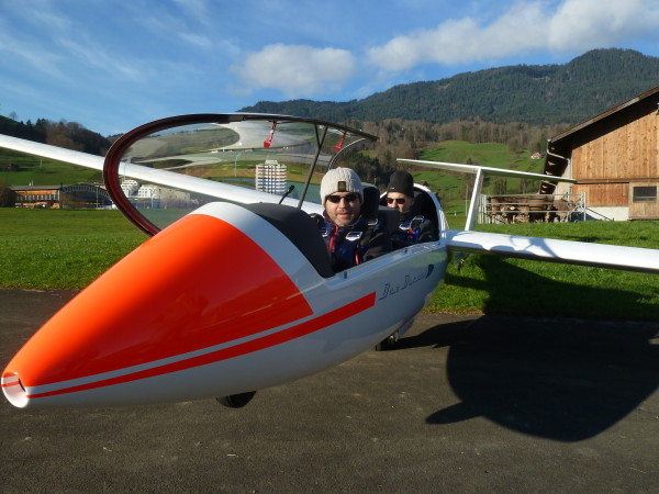 Erstflug Duo 3839