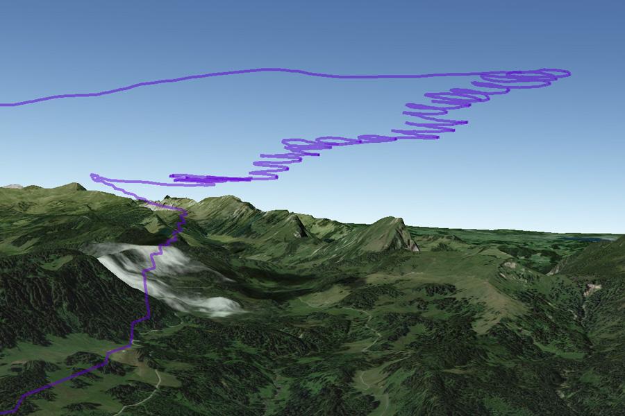Starke Winde neigen den ersten Aufwind. Blick nach Westen in Richtung Fürstein / Glaubenberg